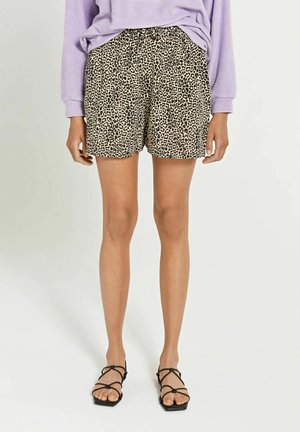 Shorts - toasted almond beige