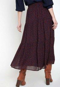 Maison 123 - Pleated skirt - bordeaux/dark blue - 1