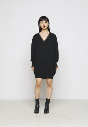 YASBRIDIE DRESS - Gebreide jurk - black