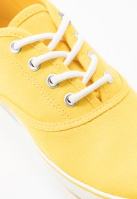 s.Oliver - LACE-UP - Tenisky - yellow - 2