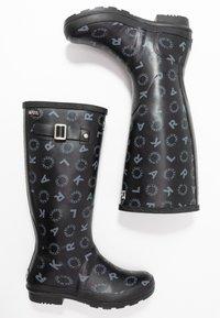 KARL LAGERFELD - KALOSH PRINT RAIN BOOT - Gummistøvler - black/light grey - 3