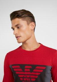 EA7 Emporio Armani - T-shirt à manches longues - red - 3
