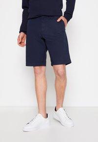 GANT - RELAXED - Shorts - marine - 0