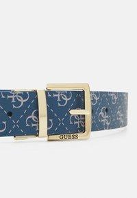 Guess - TYREN PANT BELT - Belt - blue - 3