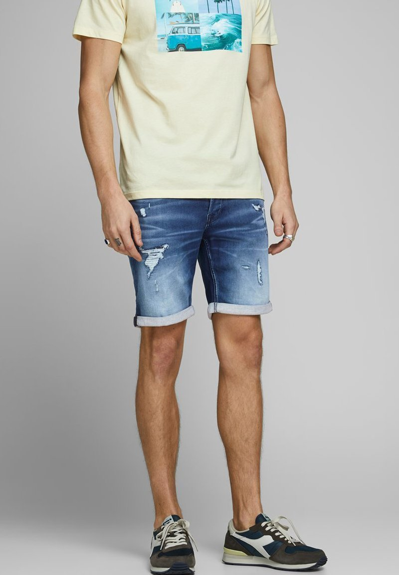 Jack & Jones - JEANSSHORTS RICK ICON - Denim shorts - blue denim