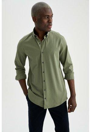 Kostymskjorta - khaki