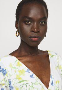 Lauren Ralph Lauren - PRINTED MATTE DRESS - Sukienka etui - cream/yellow - 3