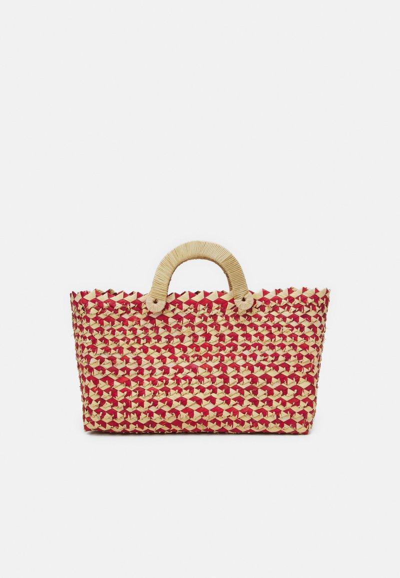 Nannacay - BELLE TOTE - Håndtasker - red