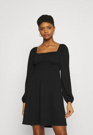 EXCLUSIVE BITTE SMOCK DRESS - Jersey dress - black