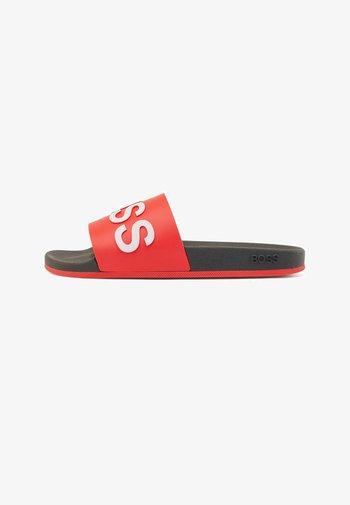 BAY_SLID - Pool slides - open red