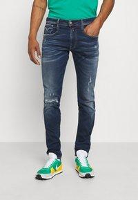Replay - ANBASS HYPERFLEX REUSED X LITE - Jeans Tapered Fit - dark blue denim - 0