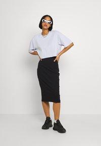 Even&Odd - Basic ribbed midi high waisted skirt - Pouzdrová sukně - black - 1