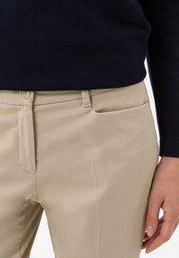 BRAX - STYLE MARA S - Trousers - toffee - 3