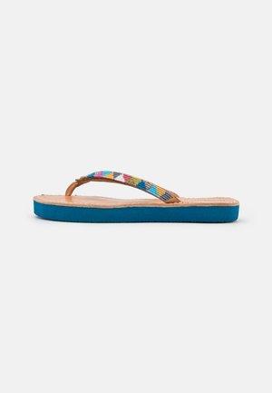 SERI - T-bar sandals - retro