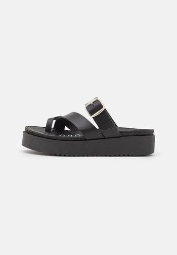 DODO - T-bar sandals - black