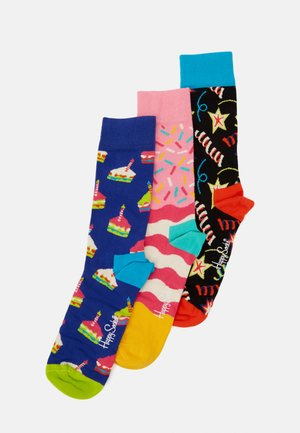 HAPPY BIRTHDAY CAKE SOCKS PLAYING GIFT SET 3 PACK - Socks - multi