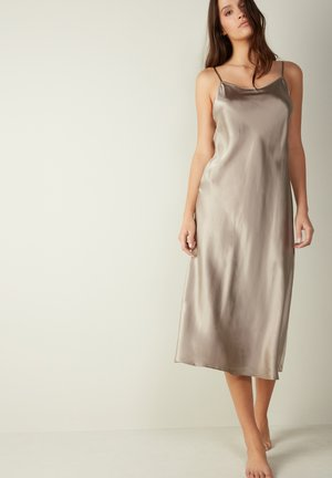 Nightie -  powder beige