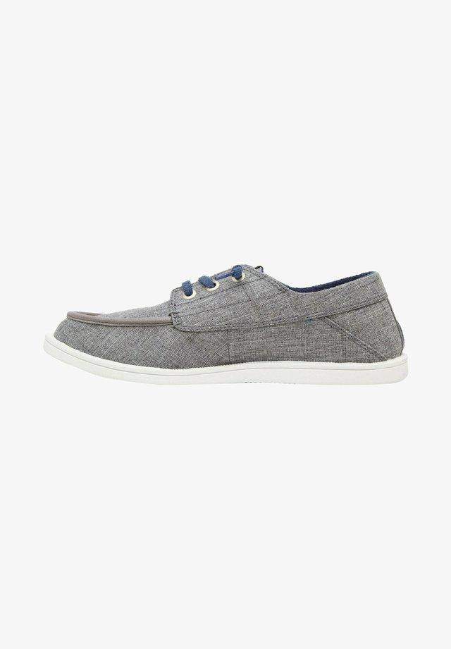 Sznurowane obuwie sportowe - grey/grey/white