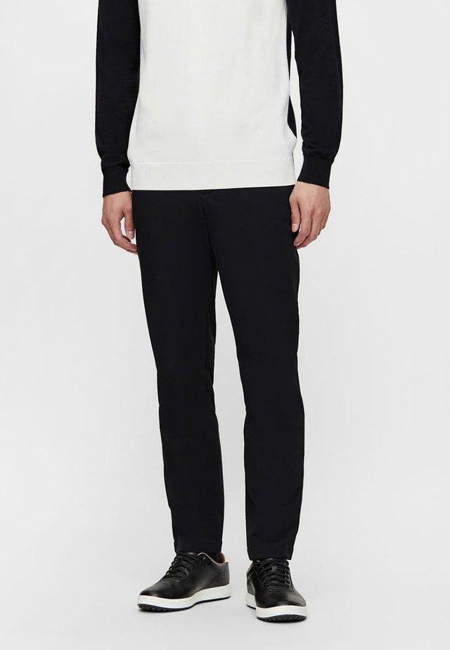 AXIL FLEECE TWILL - Pantalon classique - black