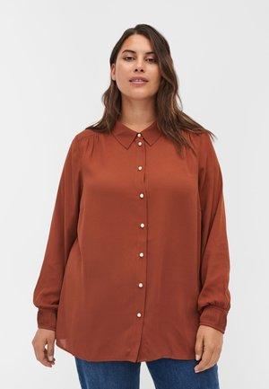 PLISSEE - Button-down blouse - sequoia