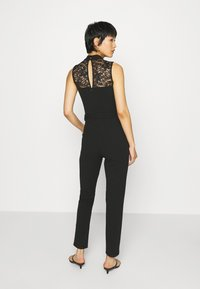 Anna Field - OCCASION - SLEEVELESS BELTED LACE NECKLINE JUMPSUIT - Jumpsuit - black - 2