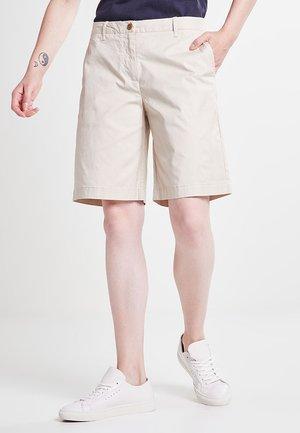 Shorts - putty