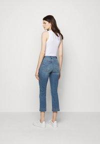 Sportmax - BERMA - Flared Jeans - nachtblau - 2