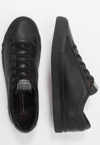 Tommy Hilfiger - CORPORATE - Sneakersy niskie - black - 1