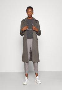 Bruuns Bazaar - CATARINA NOVELLE COAT - Klasický kabát - major brown - 1