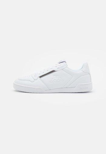 MARABU - Obuwie treningowe - white/grey