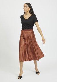 Vila - Pleated skirt - tobacco brown - 1