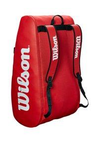 Wilson - TOUR 3 - Racket bag - red - 2