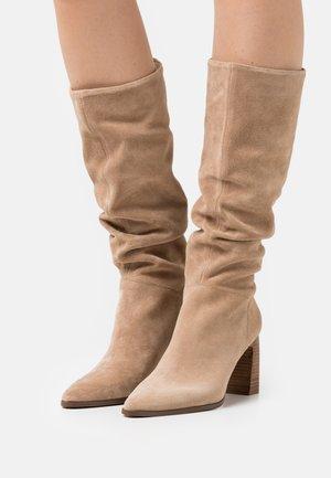 LEATHER - Laarzen met hoge hak - beige