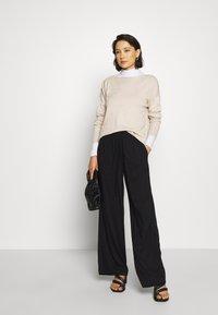 Selected Femme - SLFINKA  - Sweter - birch melange - 1