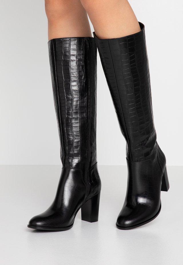 ANALOGIE - Vysoká obuv - black