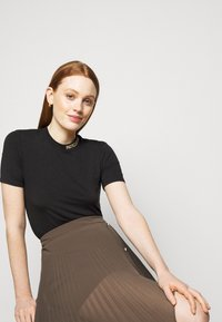 Patrizia Pepe - GONNA SKIRT - Maxi skirt - brown - 3