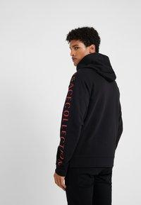 Versace Collection - SPORTIVO FELPA CON CAPPUCCIO - Zip-up hoodie - nero - 2