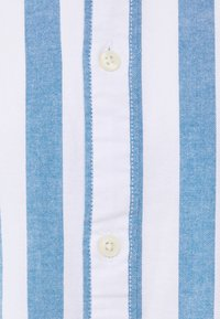 Selected Homme - SLHREGWIDE STRIPE - Chemise - light blue - 2