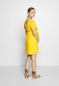 MAMALICIOUS - SHORT DRESS - Sukienka z dżerseju - primrose yellow - 2