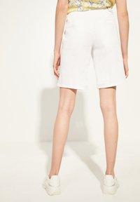 comma casual identity - Denim shorts - white - 2