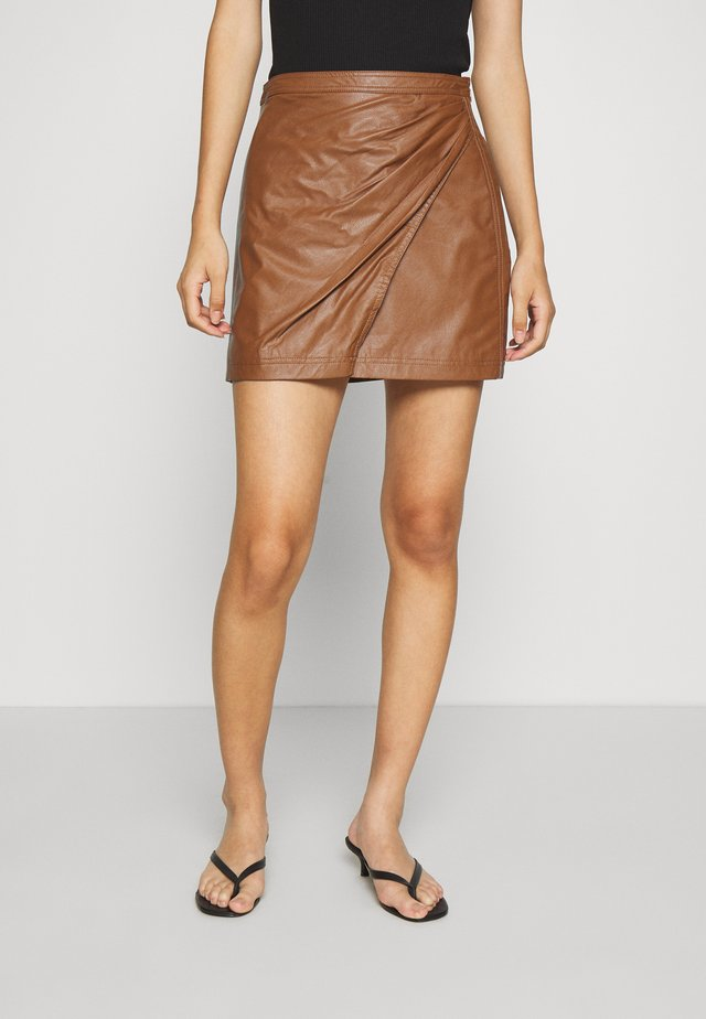 FAKE OUT WRAP SKIRT - Mini skirt - walnut