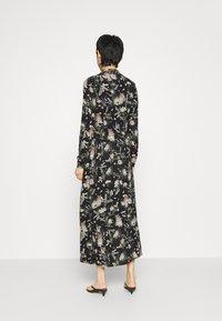 Mavi - PRINTED DRESS - Vestido camisero - black/multi-coloured - 2