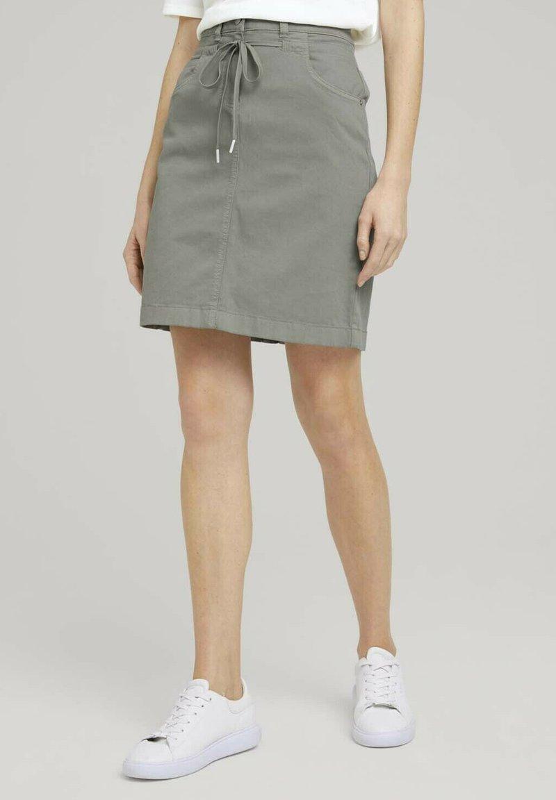 TOM TAILOR - MIT KORDELZUG - A-line skirt - prairie grass green