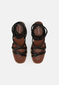 ALOHAS - PAW-PAW - Sandály na platformě - black - 4