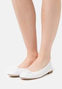 Repetto - CENDRILLON - Ballerina's - blanc - 0