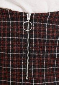 Vero Moda - VMBRITTA SHORT SKIRT - A-line skirt - black/mahogany - 4