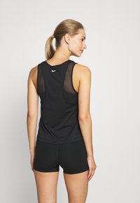 Nike Performance - TANK RUNWAY - Camiseta de deporte - black - 2