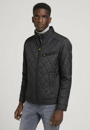 MIT QUILTMUSTERN - Light jacket - black