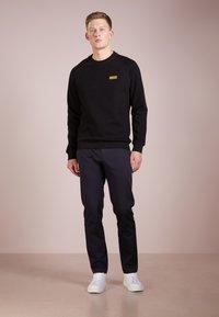 Barbour International - ESSENTIAL CREW  - Sweatshirt - black - 1