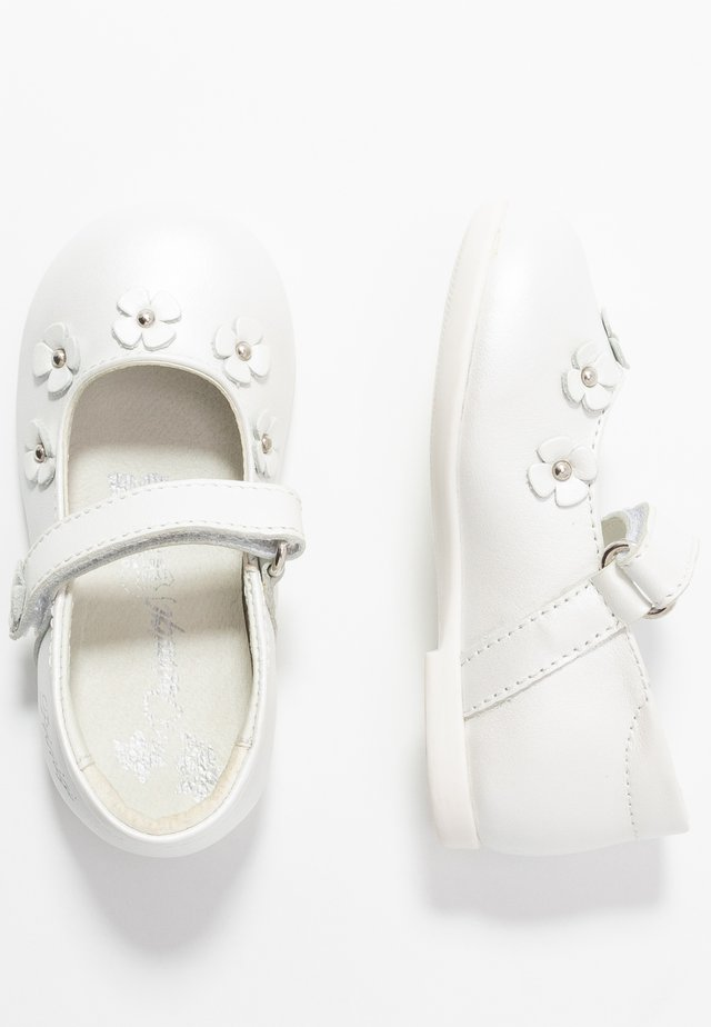 Ballerinat nilkkaremmillä - bianco